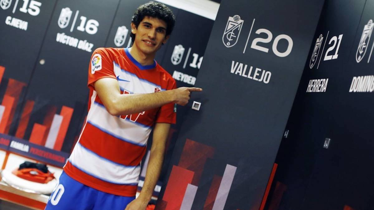 Official:-Vallejo-leaves-on-loan-to-Granada-for-another-season