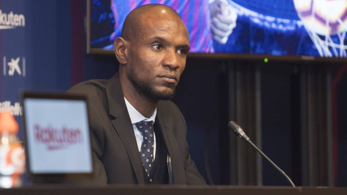 Abidal-resigns-with-Barça-20-hours-after-being-ratified