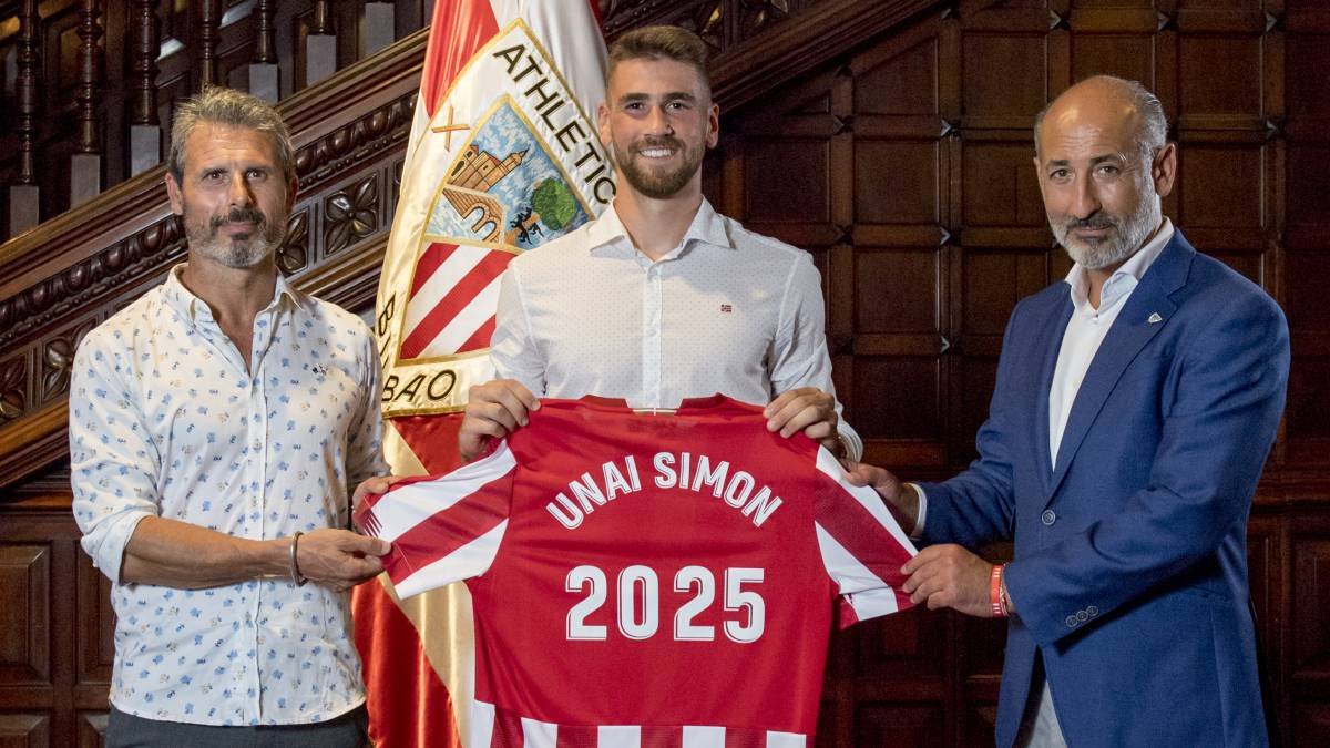 Unai-Simón's-big-day:-to-La-Roja-and-renew-without-a-clause