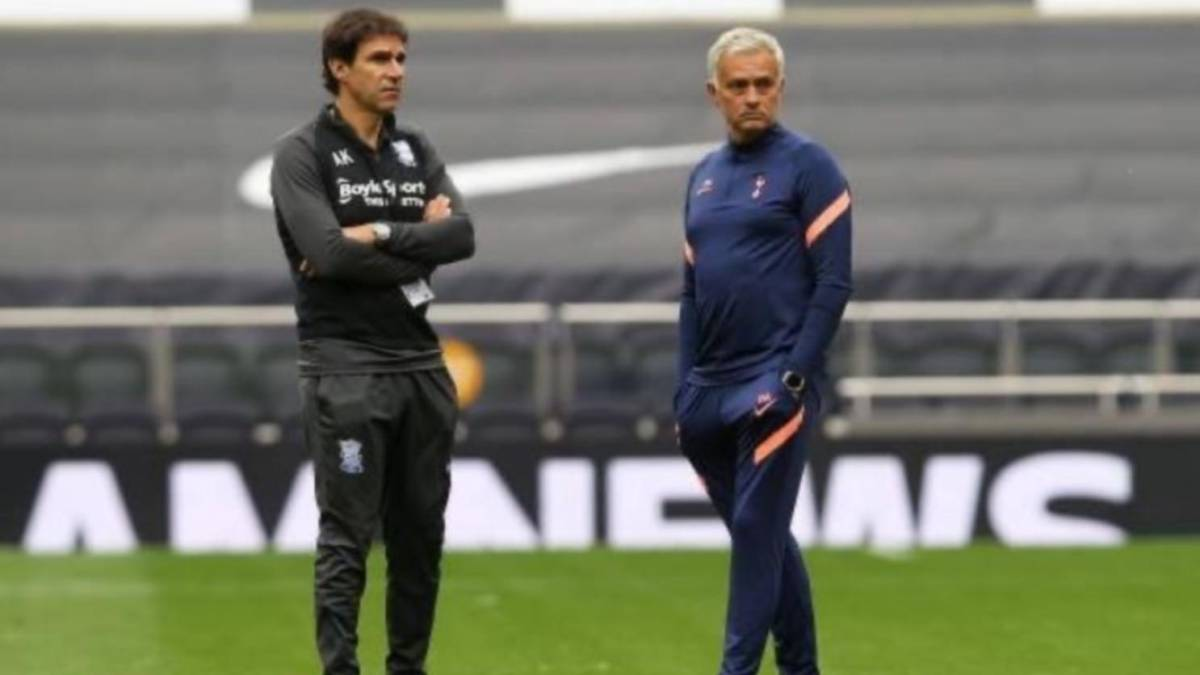 "Mourinho-receives-a-visit-from-his-""little-brother""-Aitor-Karanka"