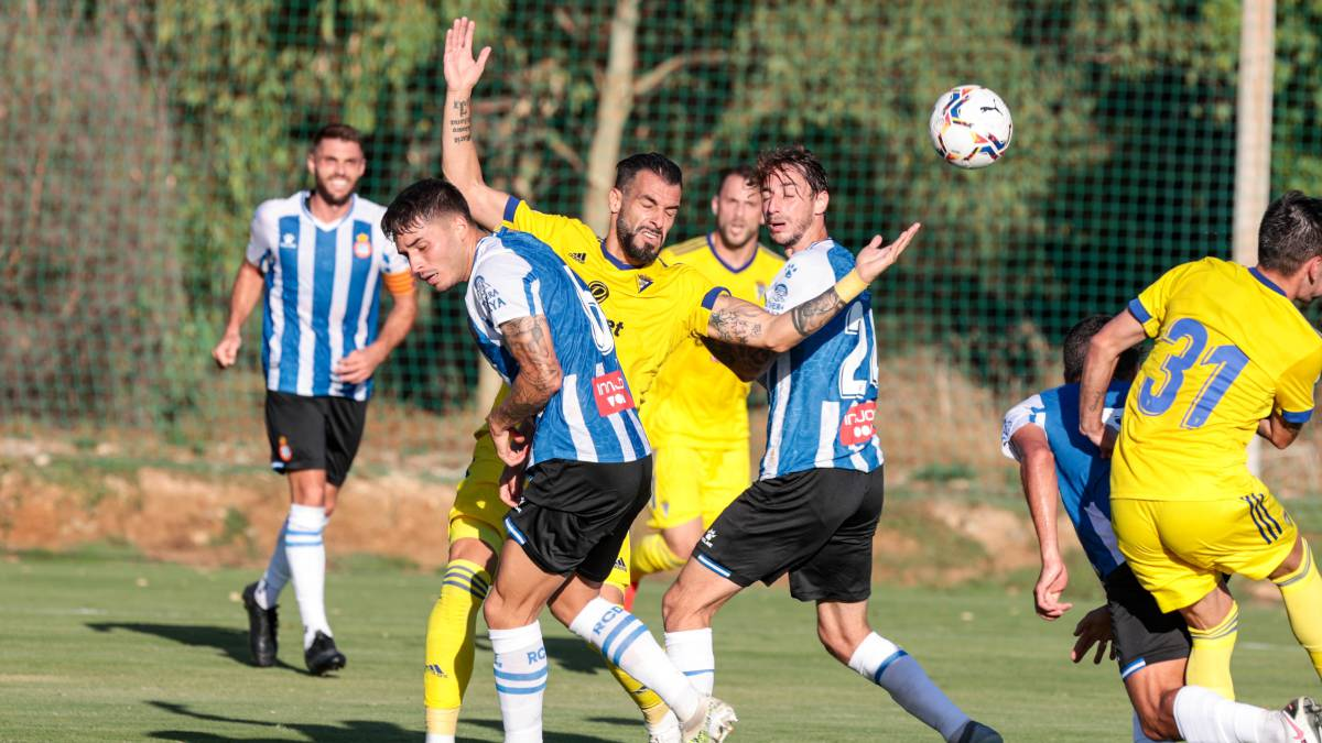 The-inertia-of-Cádiz-knocks-down-a-Espanyol-lacking-punch