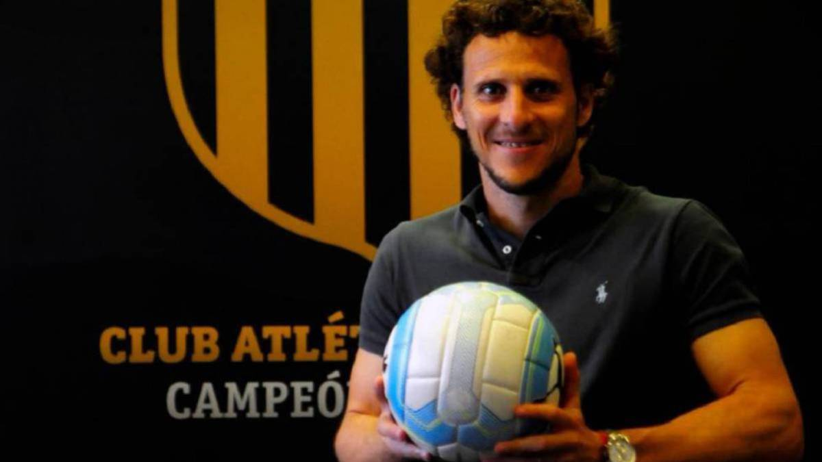 Forlán-fired-from-Peñarol