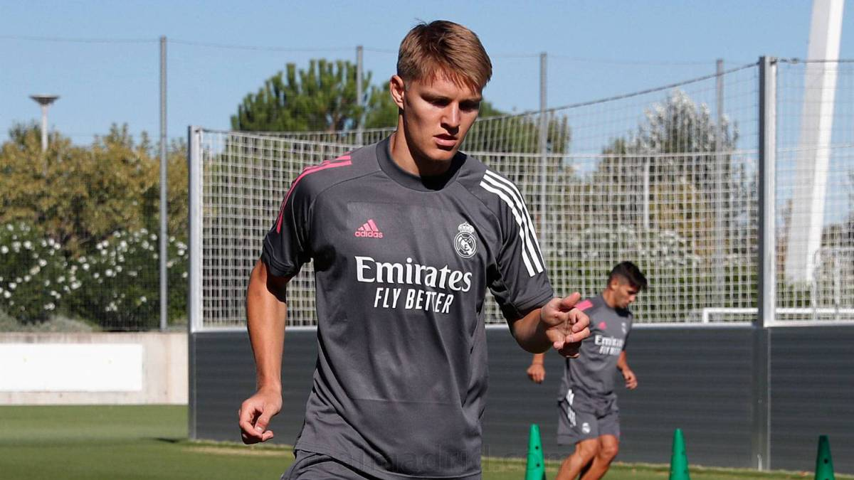 James-is-absent-on-the-return-and-Odegaard-already-works-in-white