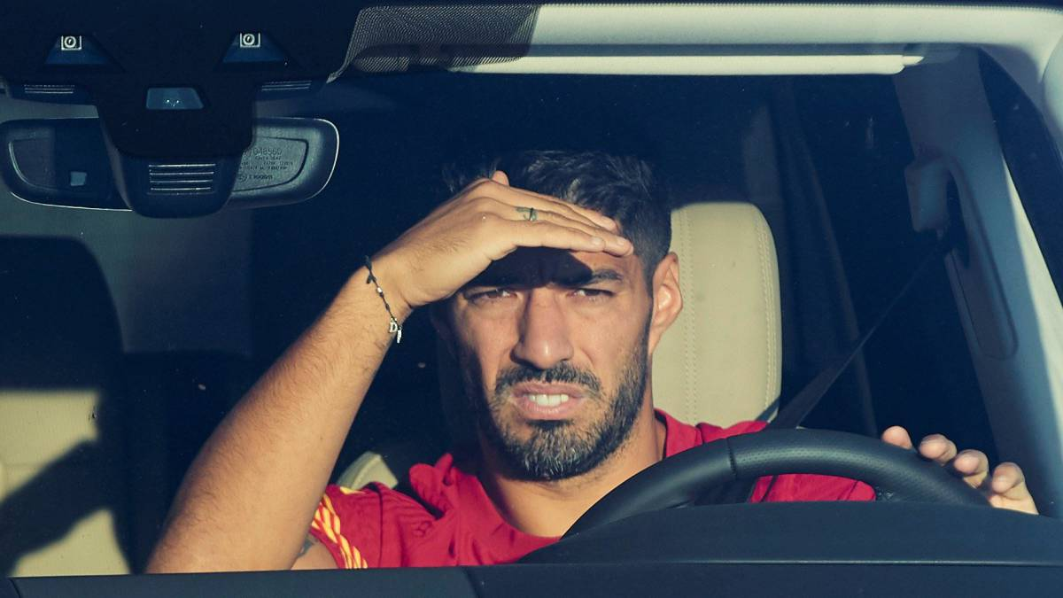 Suárez-and-Vidal-demand-their-contract-to-leave-Barça