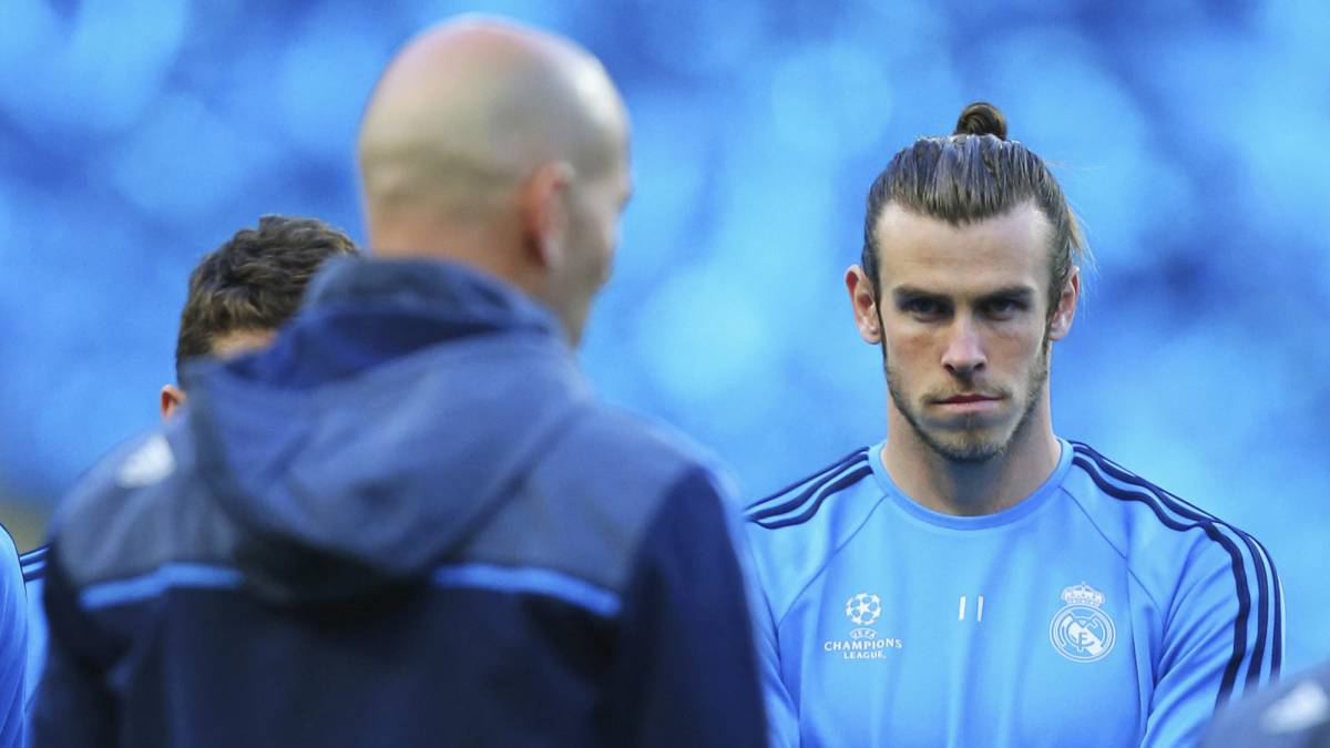 Bale-face-to-face-with-Zidane