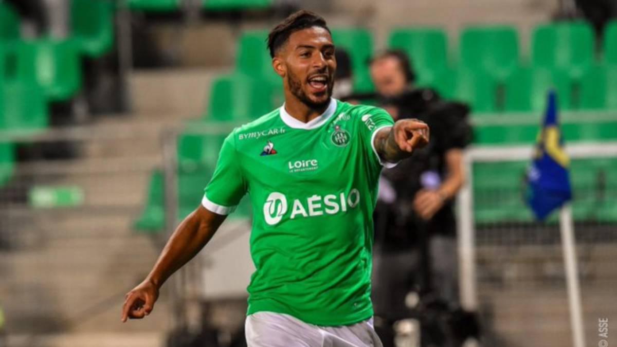 Saint-Etienne-takes-the-lead