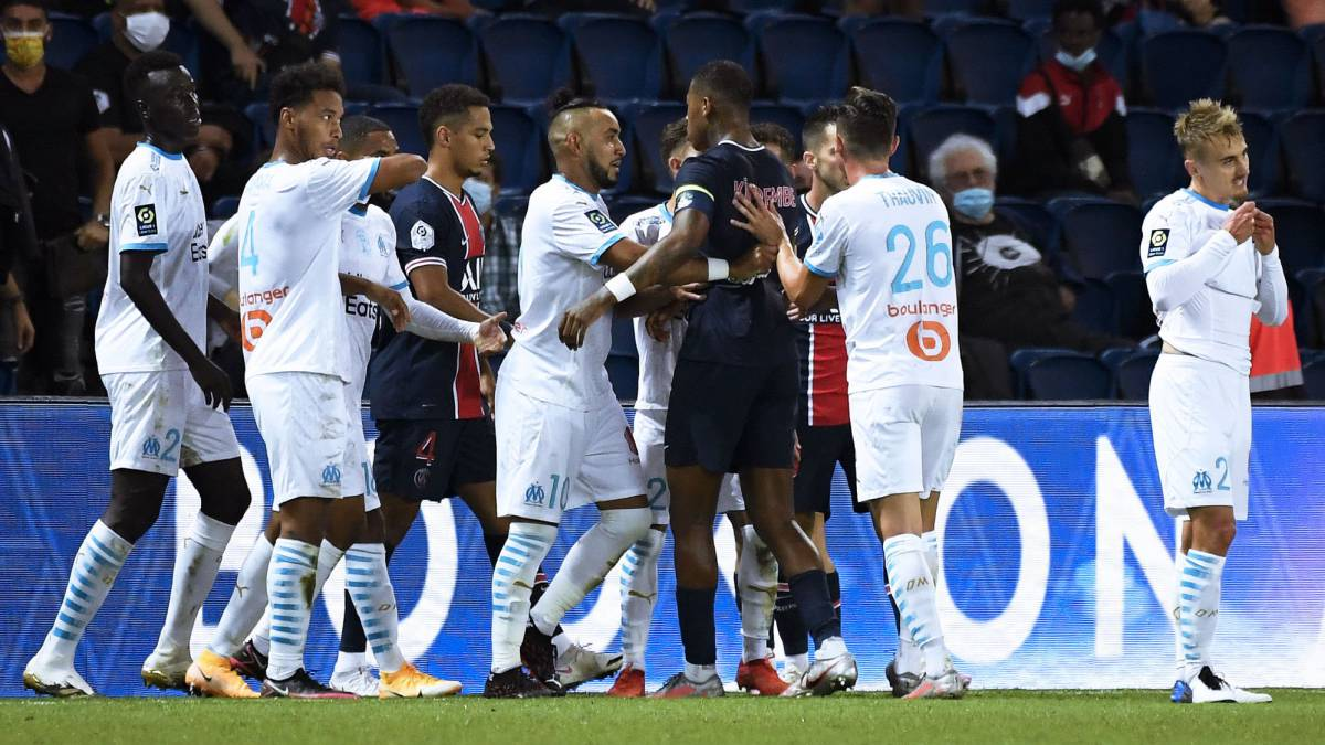 Neymar-and-four-others-expelled-in-a-'dirty'-French-classic-that-Thauvin-decided