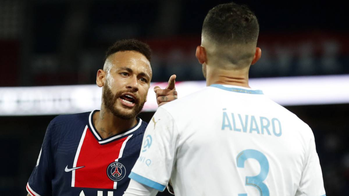 PSG-supports-Neymar-who-accuses-Álvaro-González-of-racism
