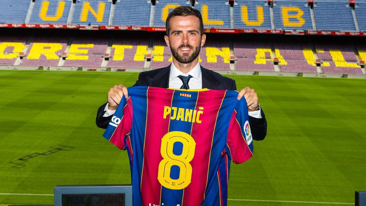 """Pjanic:-""""I'll-share-the-changing-room-with-an-alien"""""""