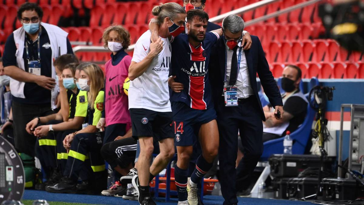PSG-fear-a-serious-injury-to-Bernat's-left-knee
