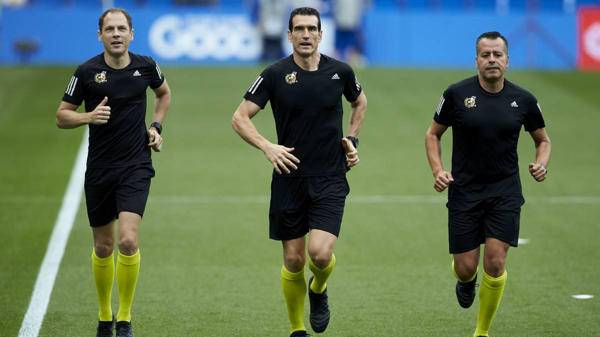 There-are-already-referees-for-the-second-day-of-the-Santander-League-and-the-Smartbank-League