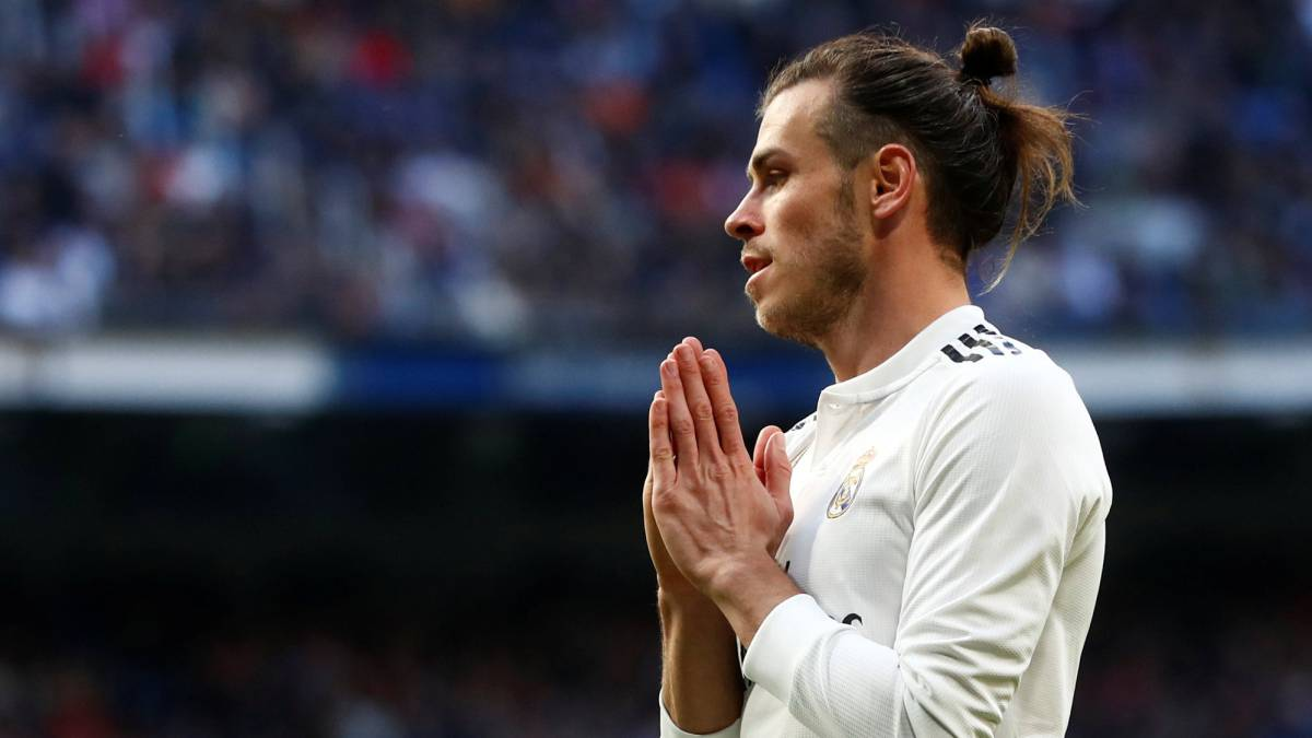Bale-says-goodbye-to-the-squad