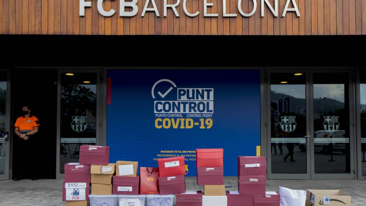 Barça-will-check-20,687-signatures-44-less-than-announced