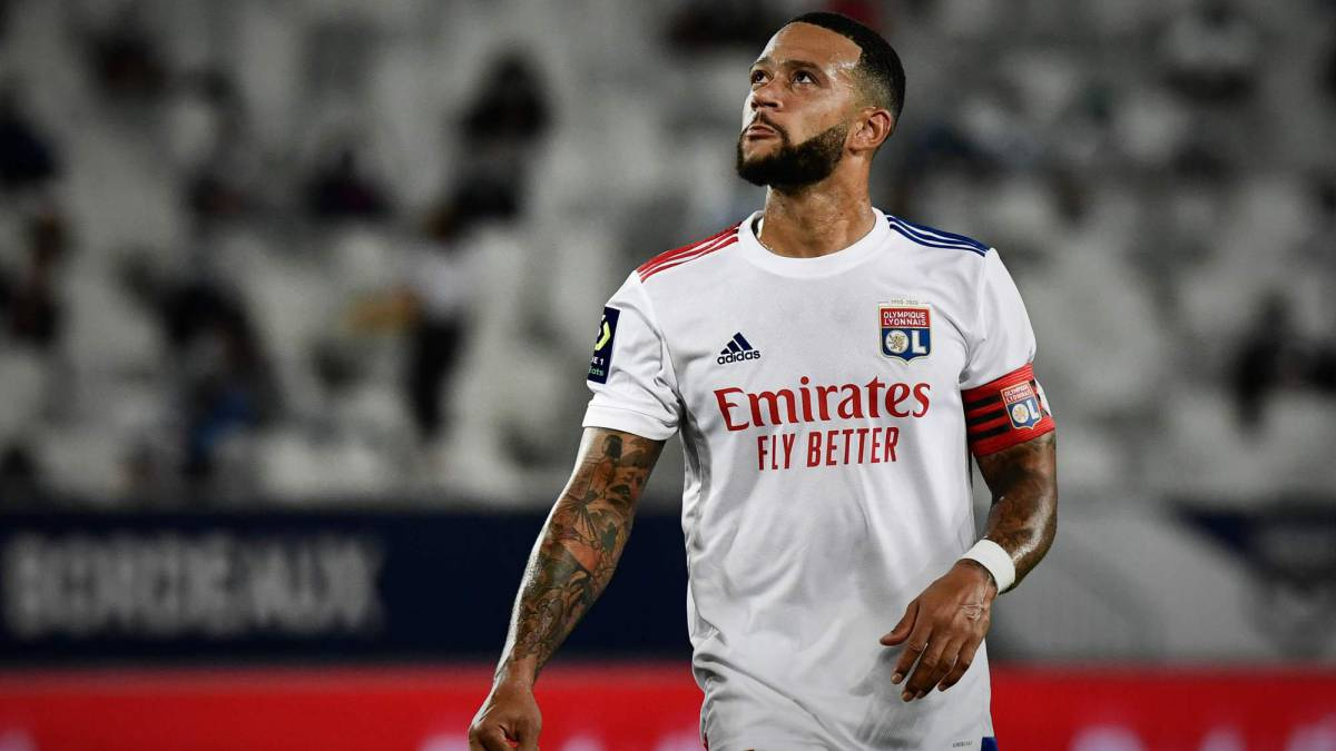 Memphis-Depay-moves-away-from-Barça-and-points-to-Milan