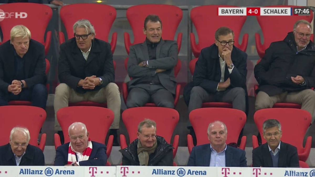 Strong-criticism-of-Bayern-and-Schalke-managers-for-sitting-together-without-a-mask