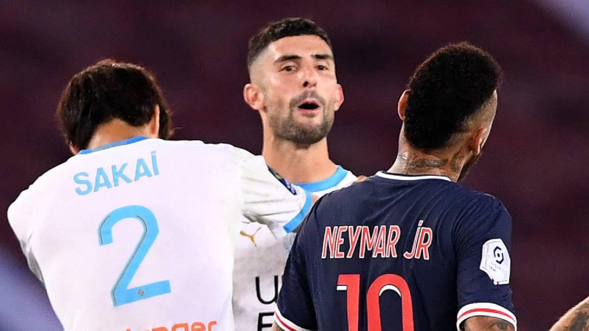 """Brazilian-lip-reading-experts-say-Álvaro-González-called-Neymar-a-""""monkey"""""""