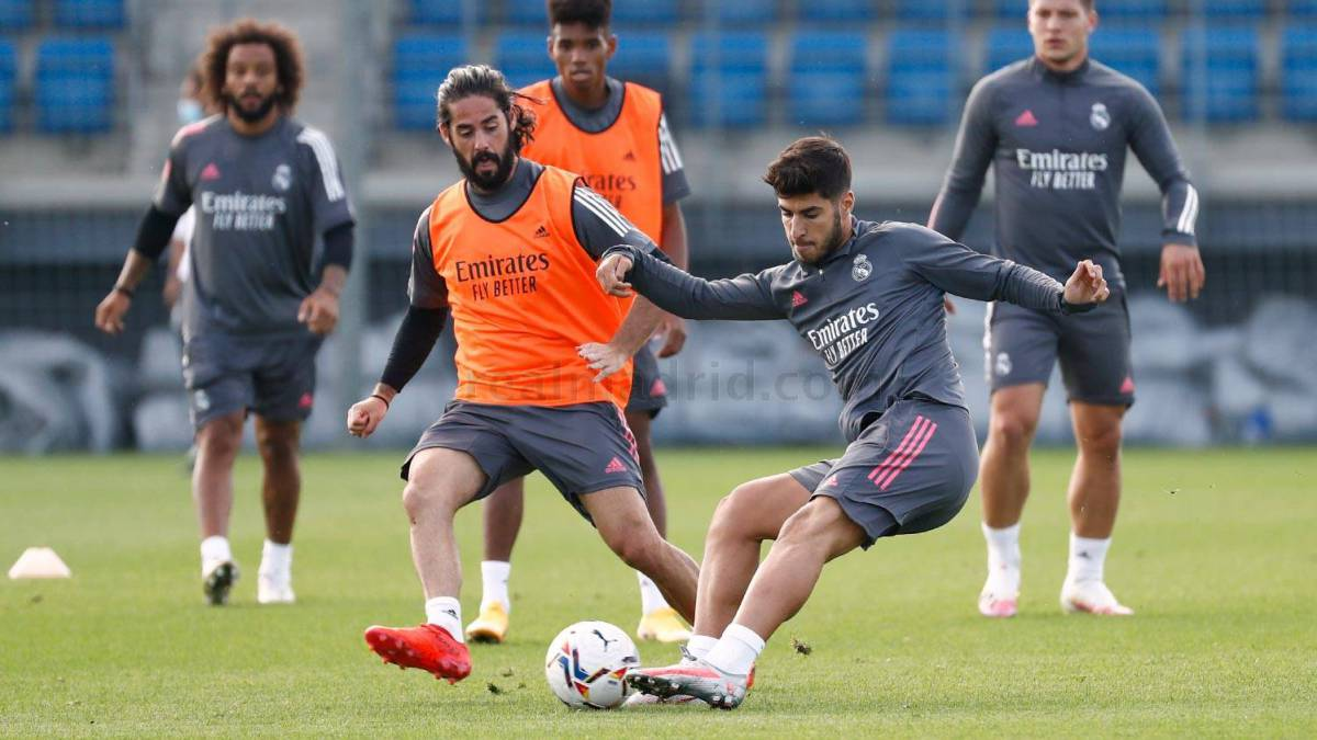 Hazard-and-Asensio-with-the-group