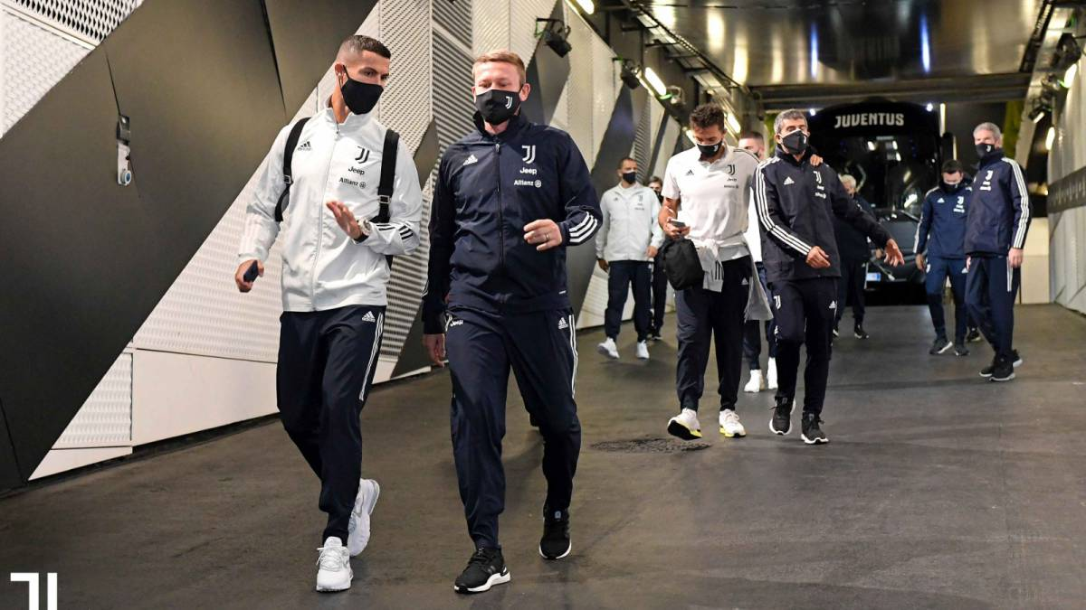 Juventus-appears-in-the-stadium-without-Naples