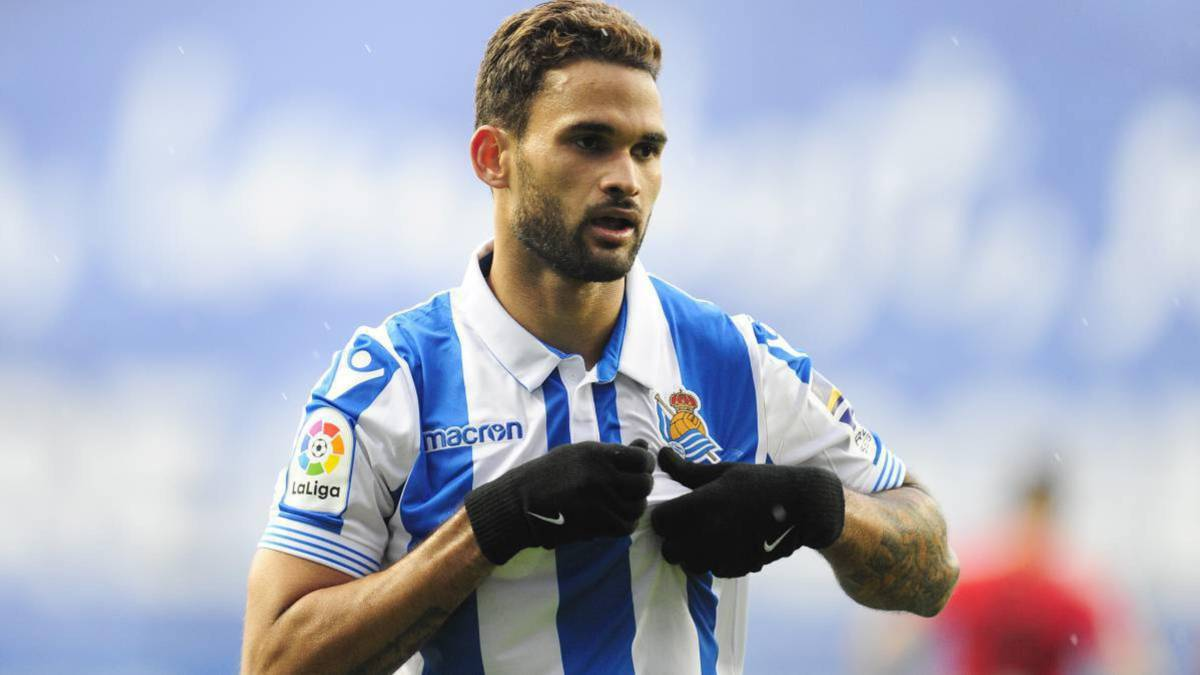 Sevilla-is-considering-the-loan-of-Willian-José