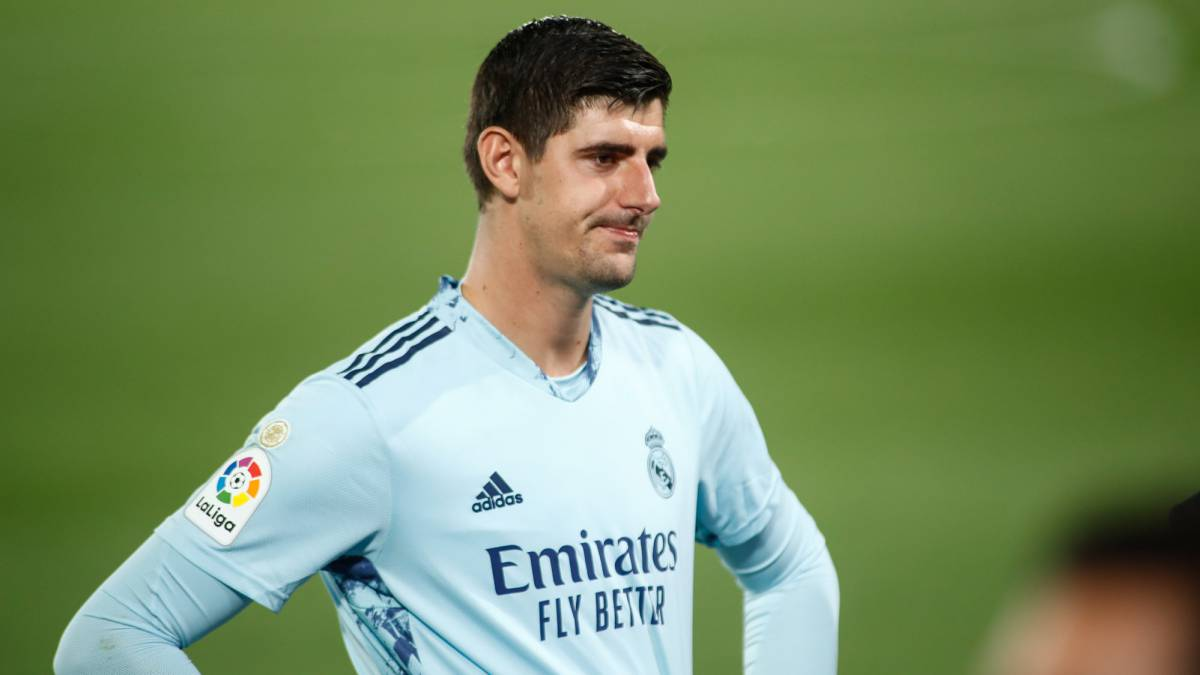 Courtois-with-discomfort-in-the-psoas-returns-to-Madrid