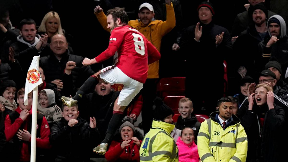 Juan-Mata-rejects-the-Arab-super-offer-and-stays-at-Manchester-United