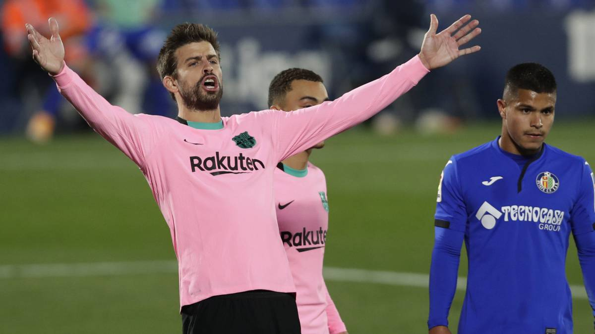 Piqué-also-negotiates-a-reduction-in-his-salary-bill