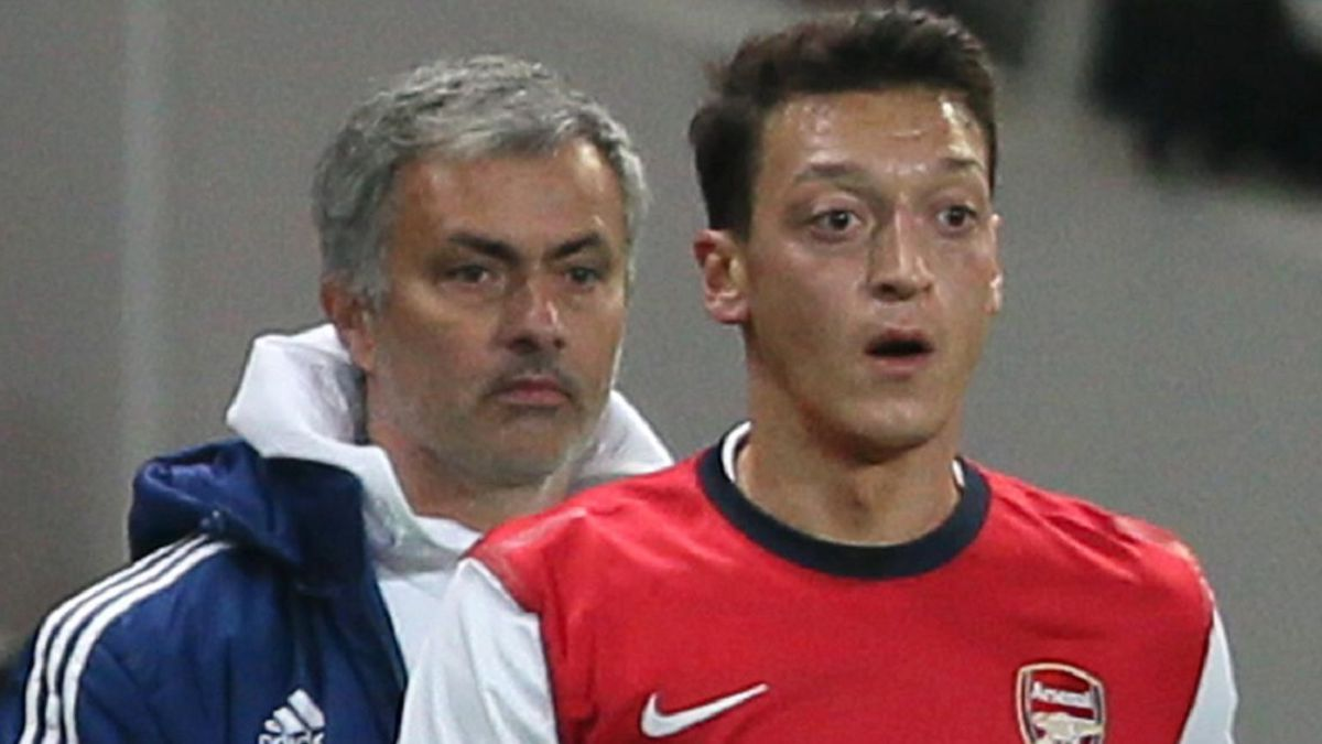 Mou-is-dispatched-with-Özil