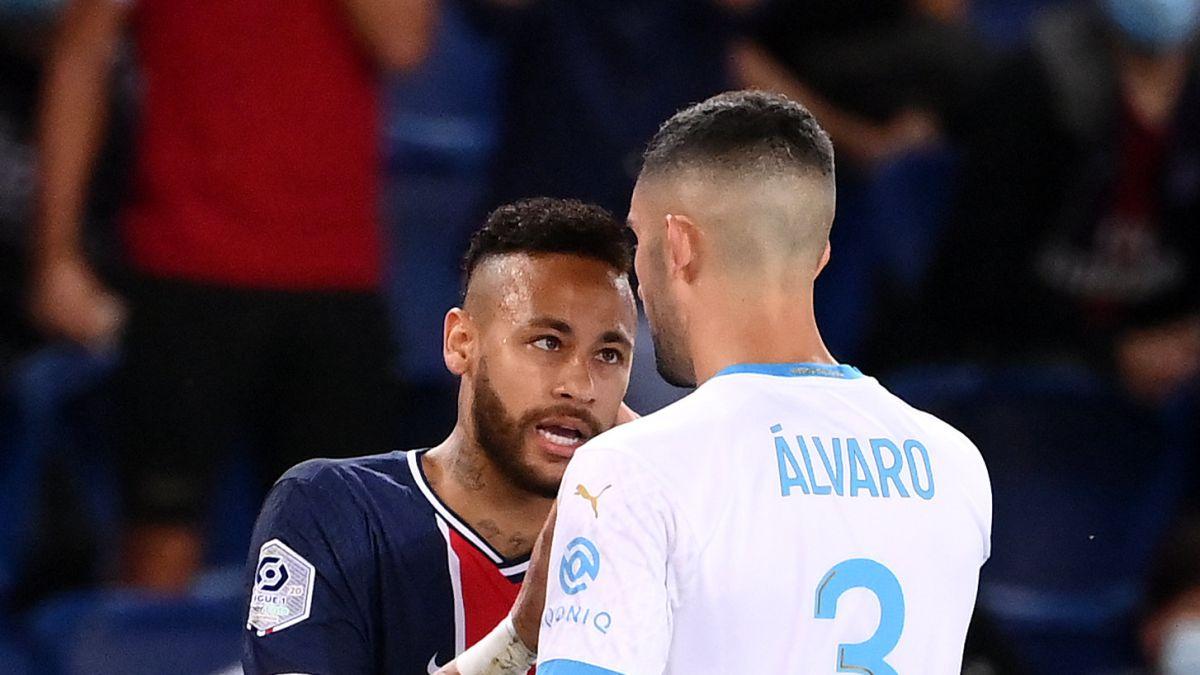 Neymar-and-Álvaro-the-reunion