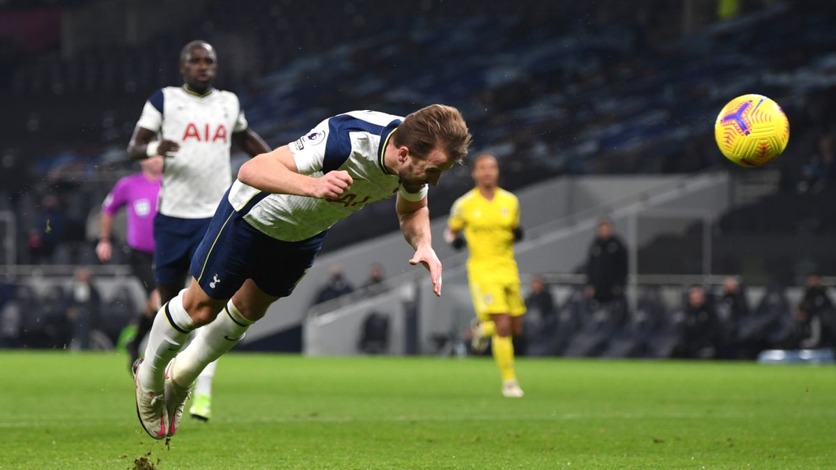 Tottenham-let-the-Premier-go