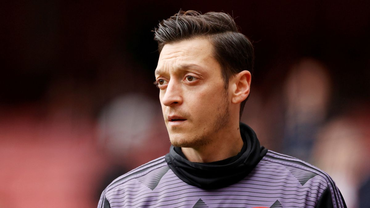 Arsenal-terminates-Ozil's-millionaire-contract-and-travels-to-Turkey
