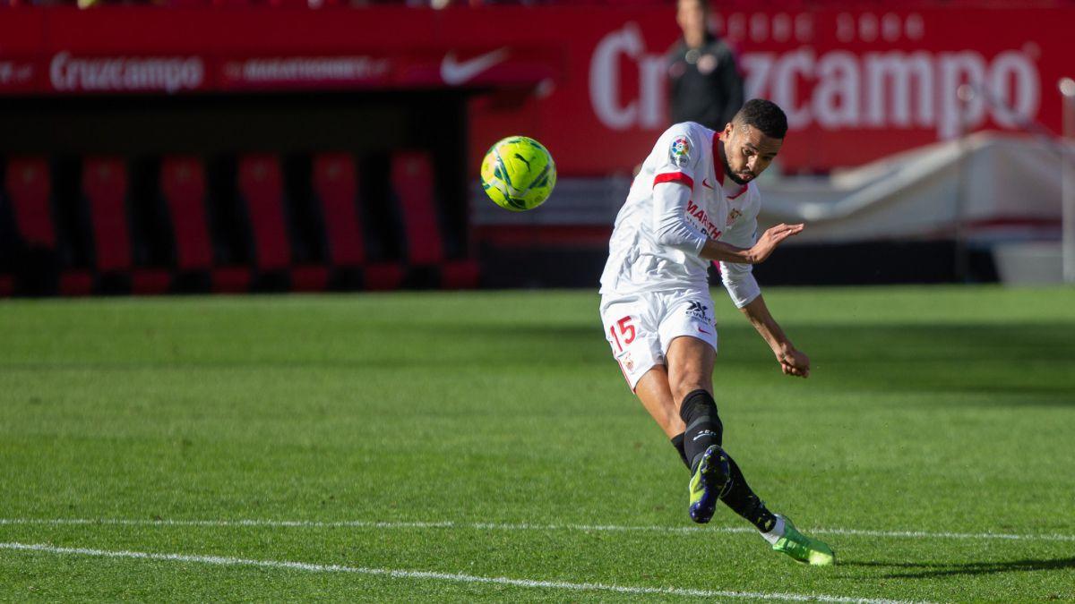 Sevilla-reject-30-million-from-West-Ham-for-En-Nesyri