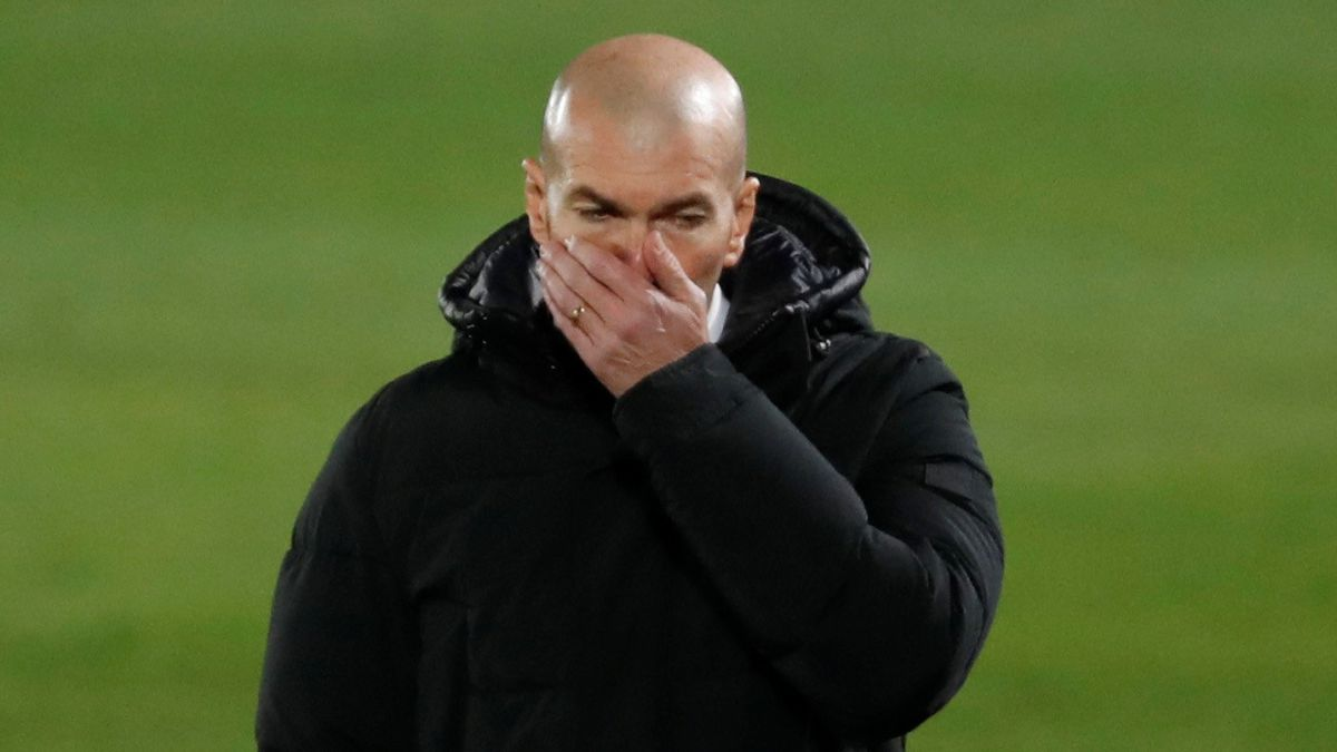 The-fans-sentence-Zidane