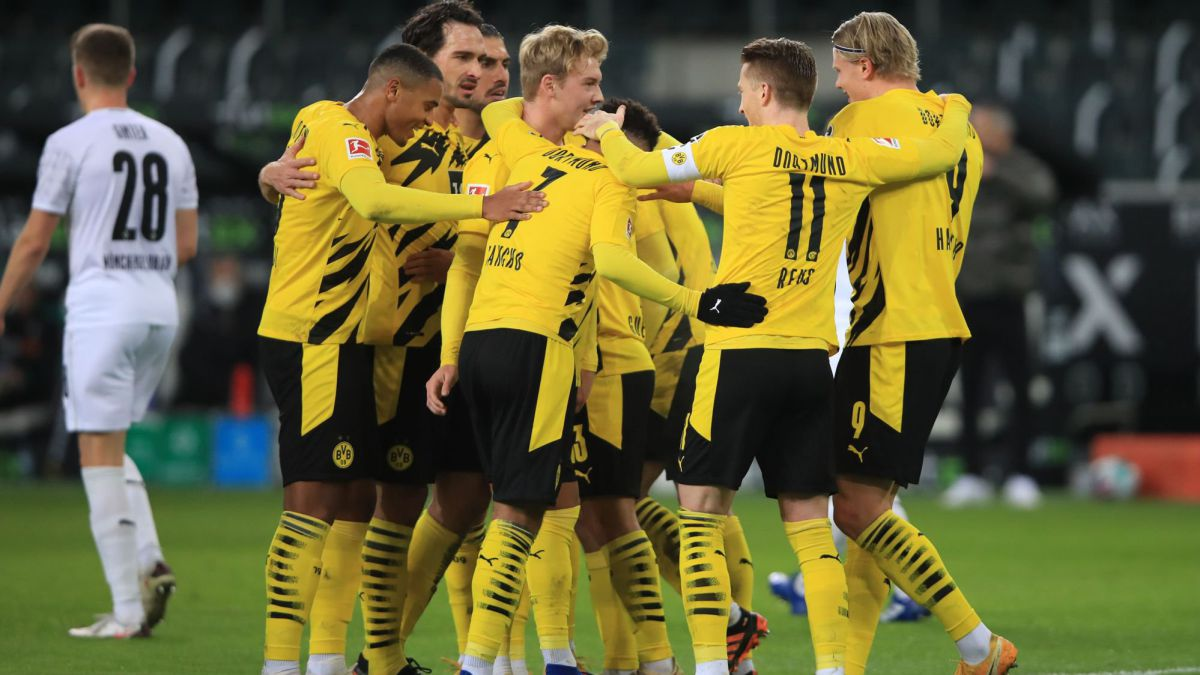 Dortmund-squad-agree-to-another-pay-cut