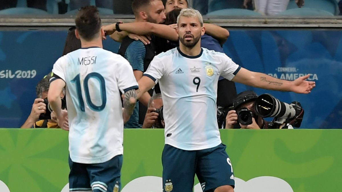 Agüero-wants-to-play-for-Barcelona-...-with-Messi