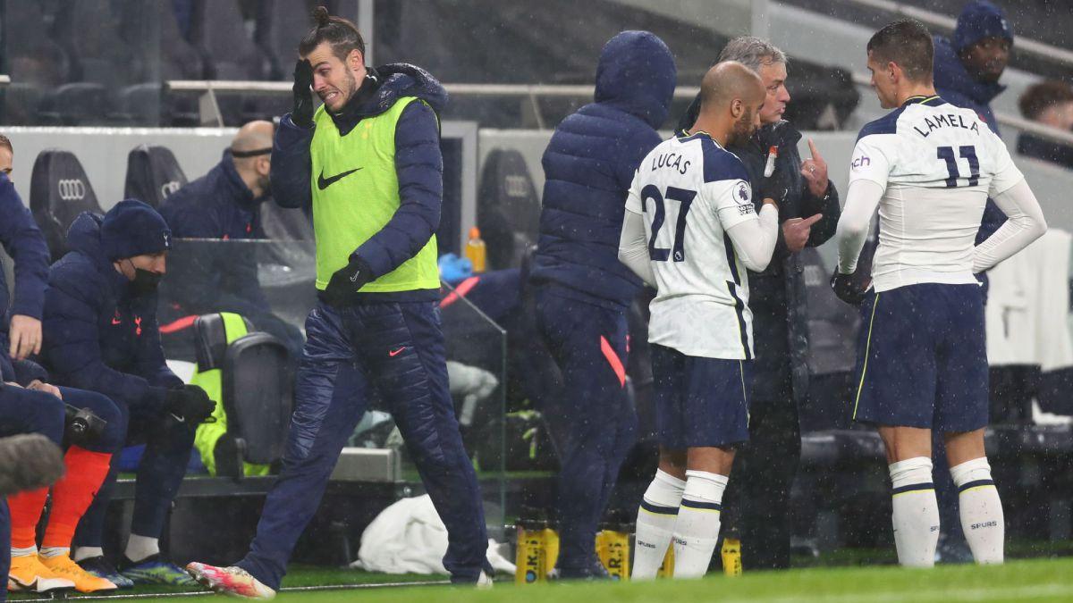 Mourinho-gets-fed-up-with-Bale
