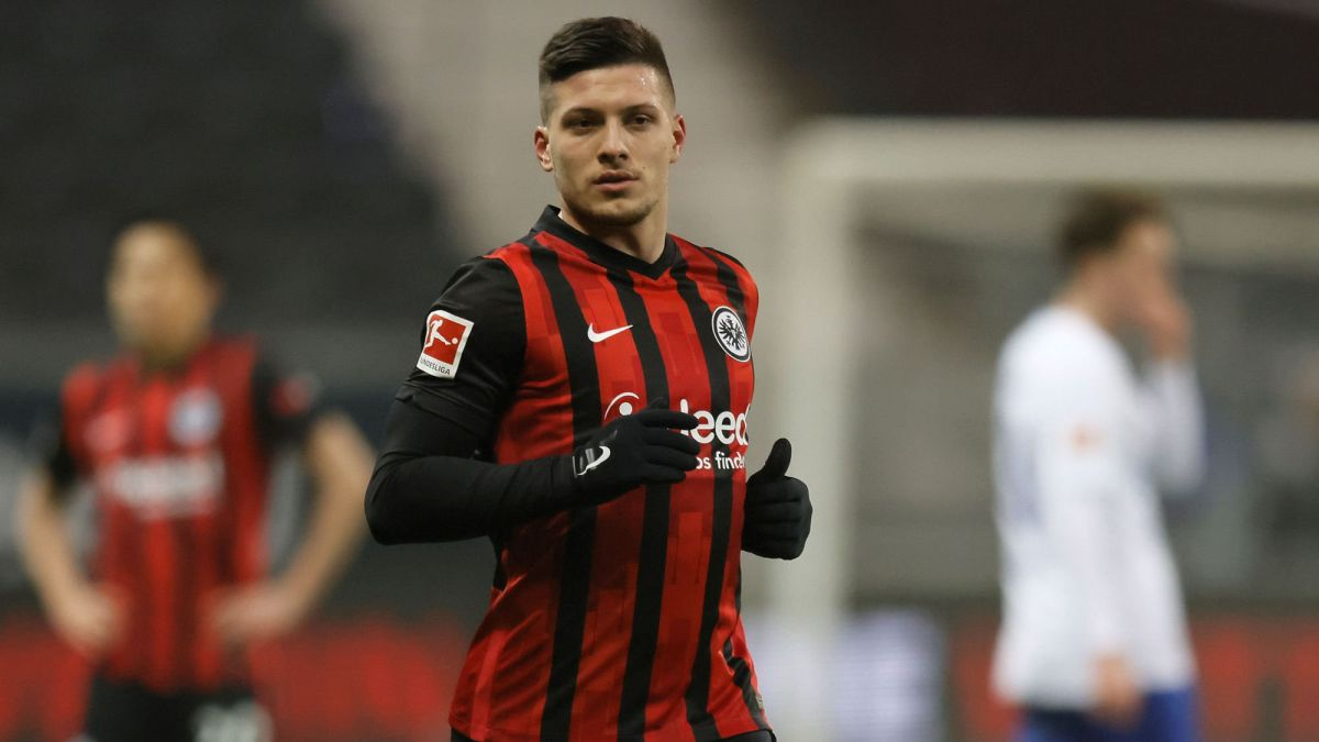 Eintracht-already-feels-the-pressure-for-Jovic