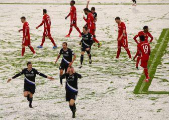 El Bayern patina en la nieve