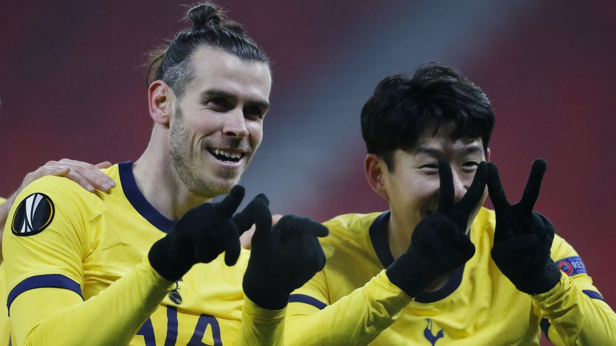 Bale-recovers-the-goal-and-the-smile