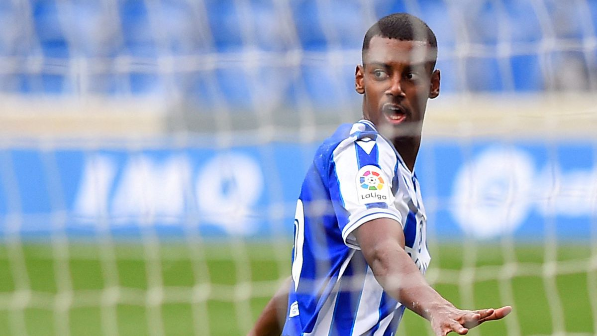 Isak-closes-Turin-wound-against-Alavés