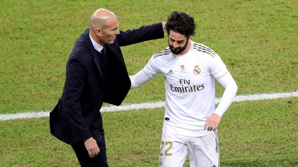 Zidane-gives-in-to-Isco