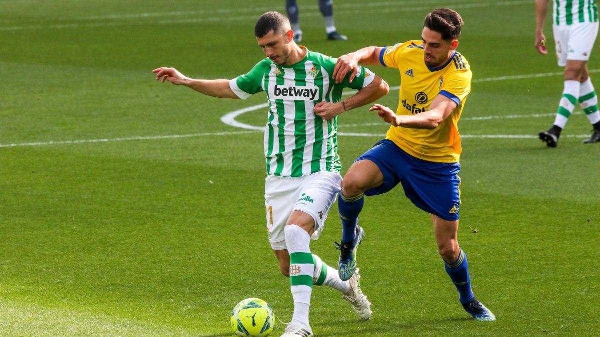 Ledesma-avoids-the-Betis-goal