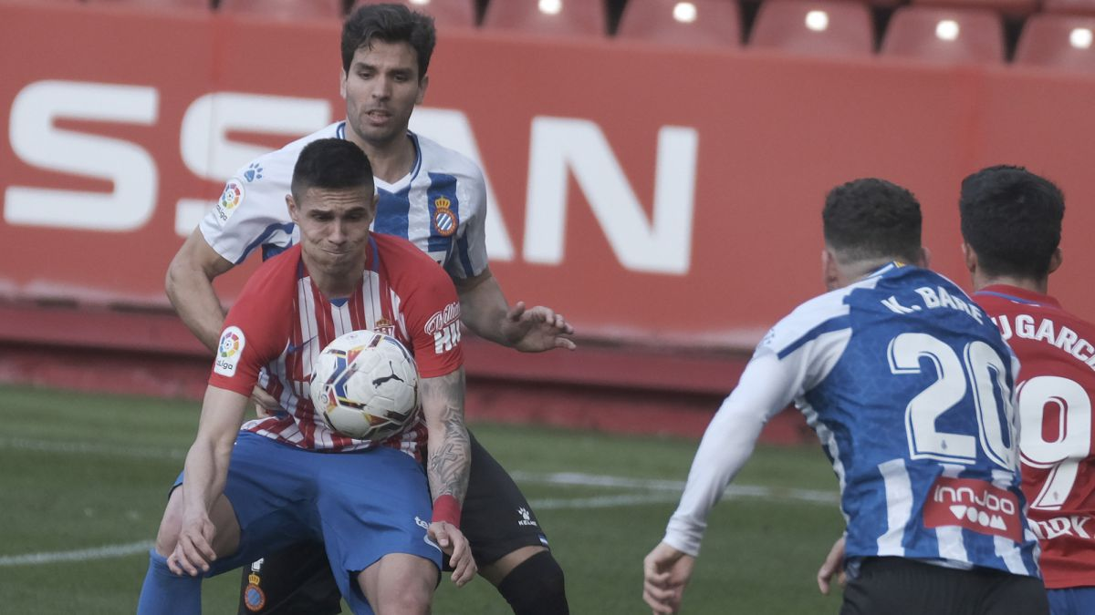 Djuka-and-Mariño-manage-to-stop-Espanyol