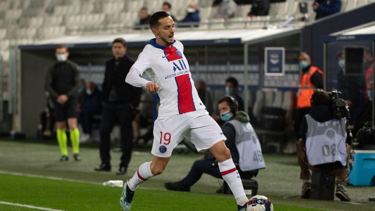 PSG-resist-in-Bordeaux-without-Neymar-or-Mbappé