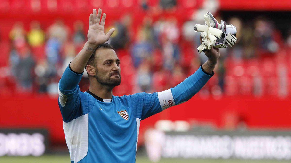 The-ex-Sevilla-goalkeeper-Beto-rescued-by-Farense