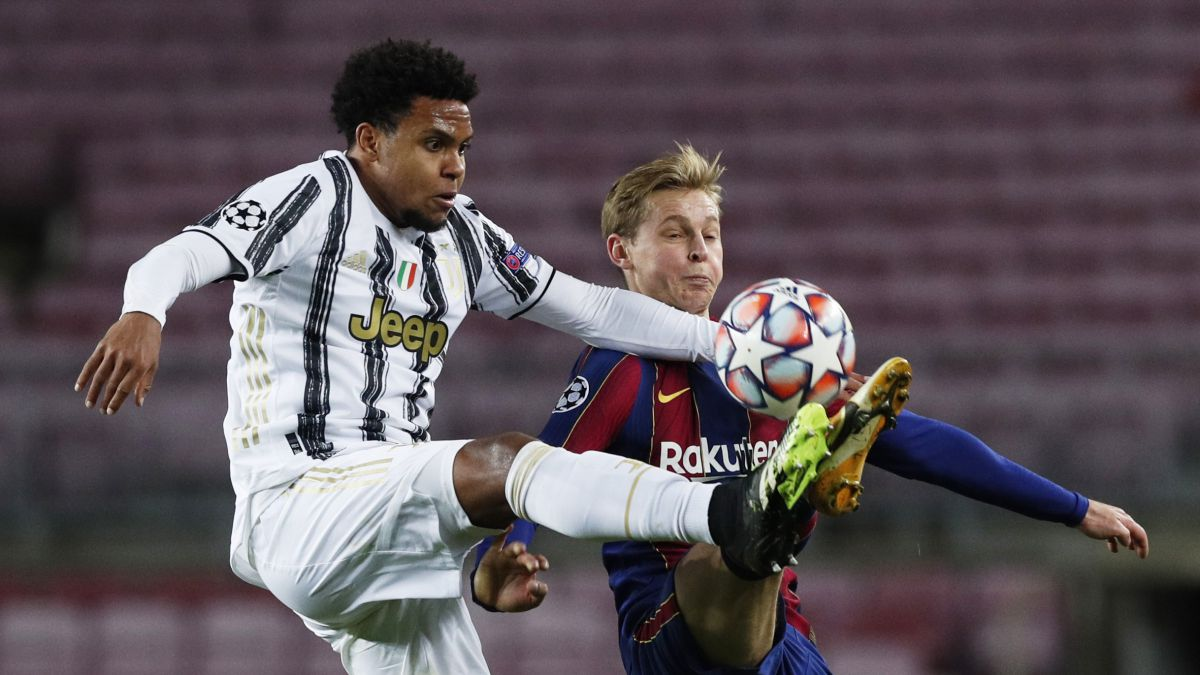 The-carabinieri-interrupt-a-dinner-at-McKennie's-house-with-Arthur-and-Dybala