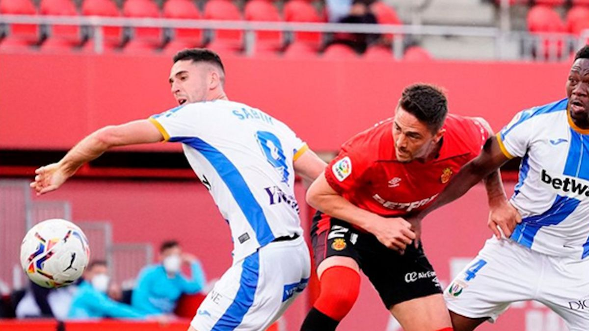 Raíllo-gives-three-points-to-a-Mallorca-that-suffers
