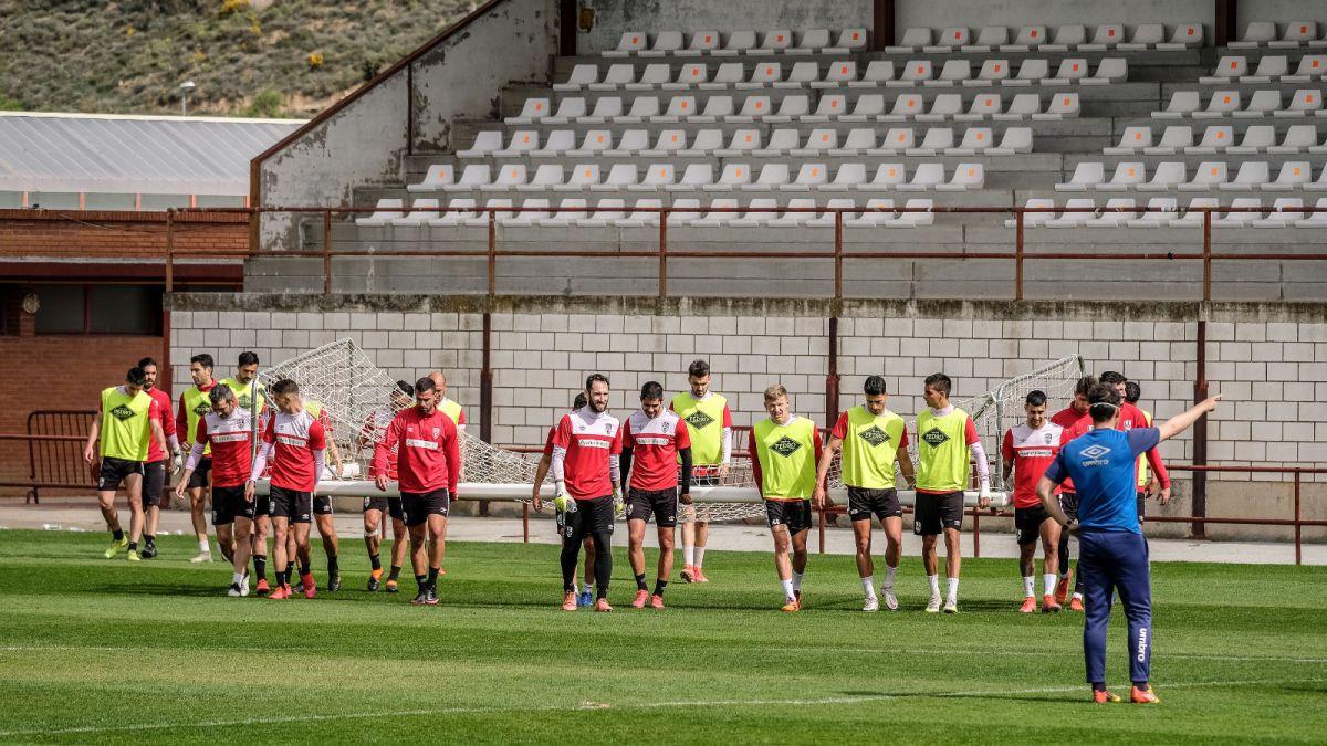 Logroñés-needs-to-resurface-to-escape-relegation
