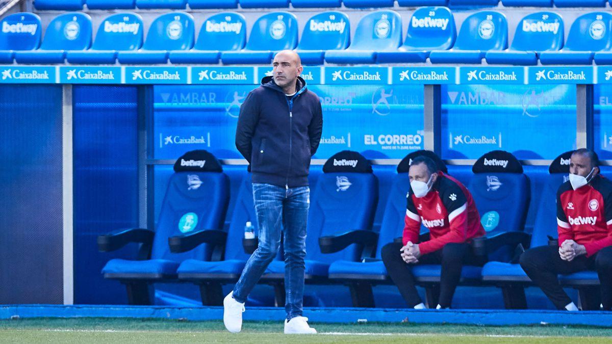 Abelardo-Fernández-stops-being-the-coach-of-Alavés