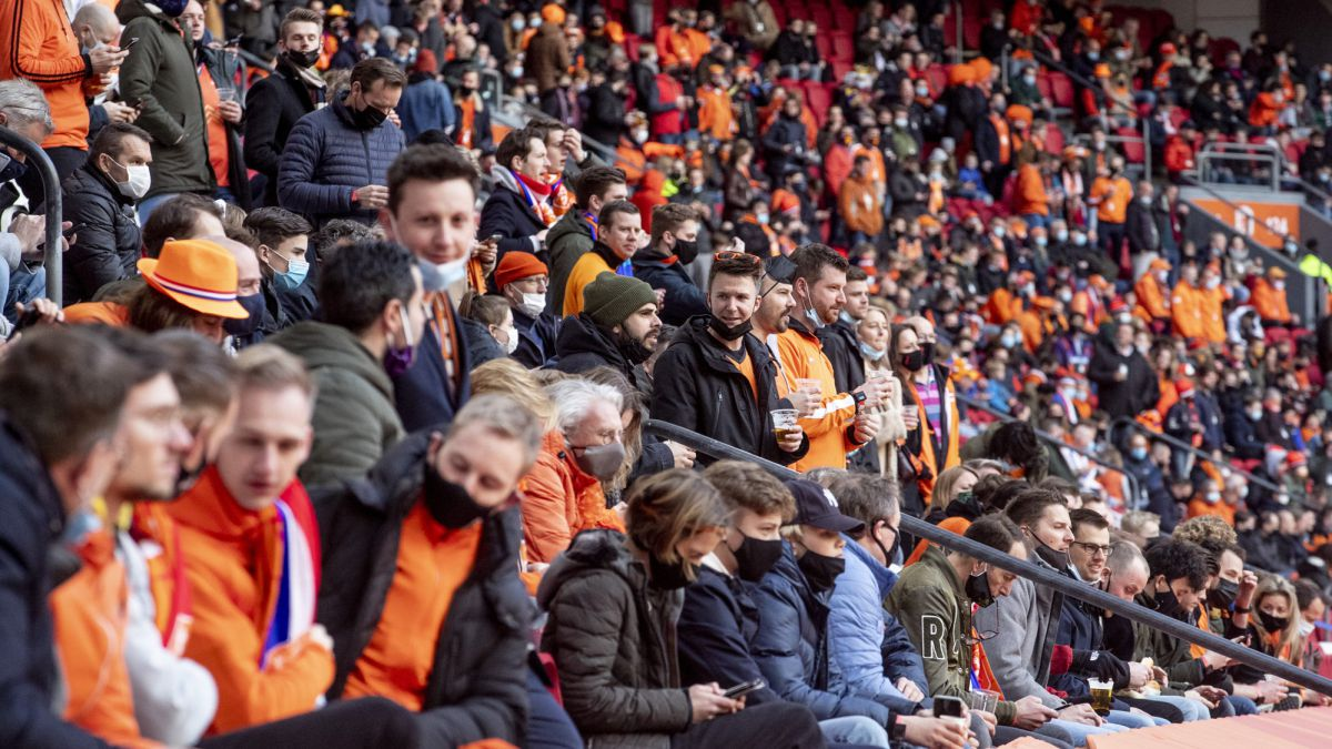 The-Netherlands-will-have-an-audience-in-the-stadiums-on-April-23