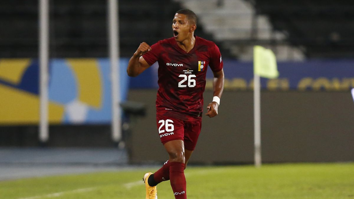 Edson-Castillo's-dream-debut